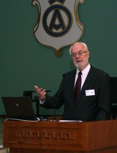 Avaloengu pidas Tartu Ülikooli dotsent Henn Voolaid. Foto: Kristjan Kostabi
