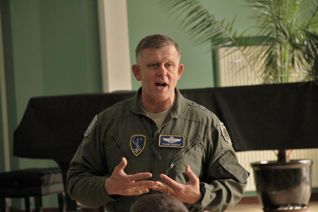 NATO õhuväejuhatuse ülem kindral Frank Gorenc KVÜÕAs. Foto: Ave Eerma