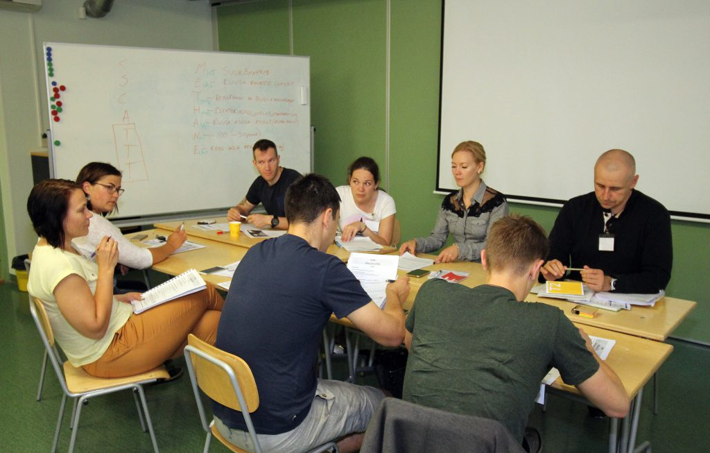 Instruktorikursus tsiviilmeedikutele KVÜÕA sõja- ja katastroofimeditsiinikeskuses. Foto: Kristjan Kostabi