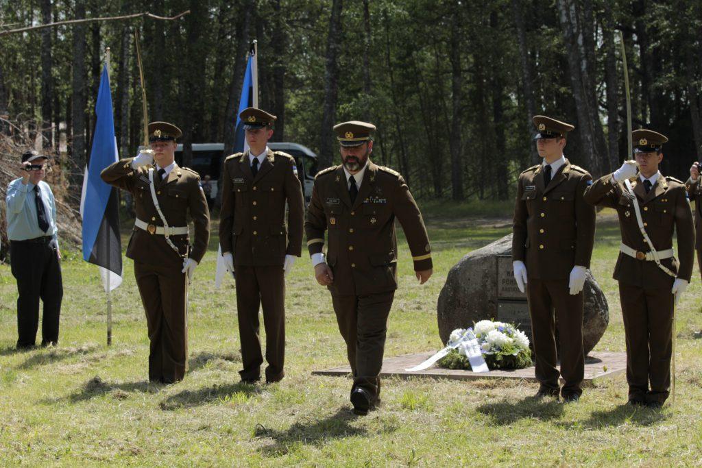 KVÜÕA esindajad mälestustseremoonial Värskas. Foto: Kristjan Kostabi